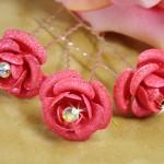 Заколки из розовых роз