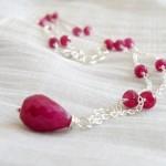 Розовое ожерелье для невесты