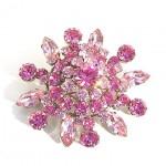 Розовая брошь для невесты