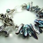 Свадебный браслет невесты серебряно-жемчужного цвета