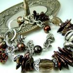 Свадебный браслет невесты коричнево-жемчужного цвета