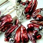 Свадебный браслет невесты красно-жемчужного цвета