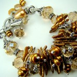 Свадебный браслет невесты золотисто-жемчужного цвета