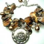 Ожерелье невесты с янтарным отливом