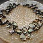 Ожерелье невесты оливково-жемчужного цвета