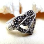 Свадебное кольцо из серебра с бриллиантами