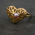 Золотое свадебное кольцо с жемчужиной