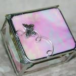 Коробочка для колец с розовым стеклом