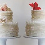 Свадебные торты с яркими цветами