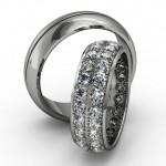 Обручальные кольца с множеством бриллиантов