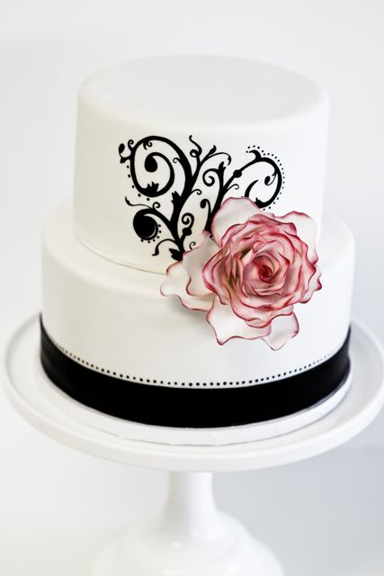 Торт черно-белый свадебный