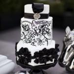 Черно-белый свадебный торт шестигранной формы