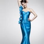 Голубое платье свидетельницы из шелка