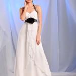 Свадебное платье невесты с черным поясом