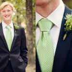 Салатовый галстук с салатовой бутоньеркой