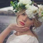 Свадебный венок из белоснежных цветов