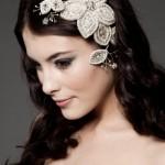 Ветвь драгоценностей в свадебной прическе