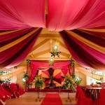 Оформление свадьбы драпировкой красного цвета