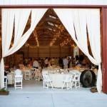 Оформление свадьбы драпировкой белого цвета