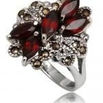 Прекрасное обручальное кольцо