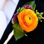 Ярко-оранжевая бутоньерка