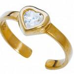 Золотое кольцо с бриллиантом в форме сердца