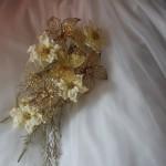 Свадебный букет из проволоки в золотом цвете
