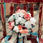 Ножка свадебного букета с голубой лентой