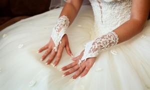 Идея дня: свадебный маникюр в несколько шагов