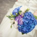 Яркий голубой оттенок