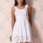 Белоснежное платье из льна