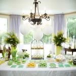 Десертный свадебный стол в желто-зеленых тонах
