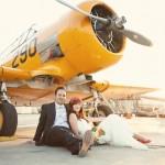 Жених и невеста на самолете