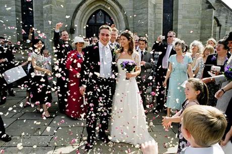 свадебные лепестки