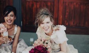 bridesmaids-having-a-good-time