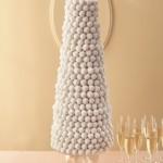 Свадебный торт из белых шариков