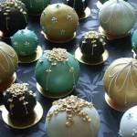 Свадебный торт из шариков для новогодней свадьбы