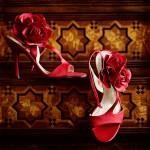 Свадебные туфли невесты  с украшениями из роз