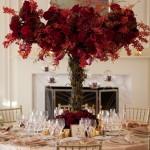 Свадебная веточная композиция в виде красного дерева