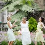 Невеста в вышитом наряде