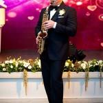 Валерий играет для невесты