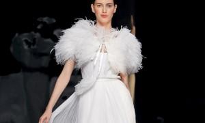 Платья с перьями - хит зимы 2013