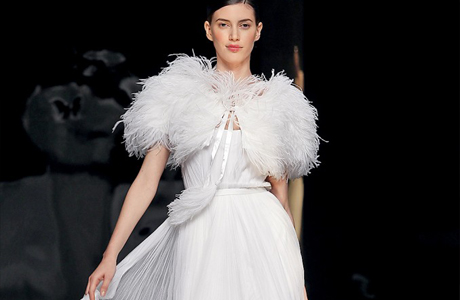 Свадебные платья с перьями - хит зимы 2013