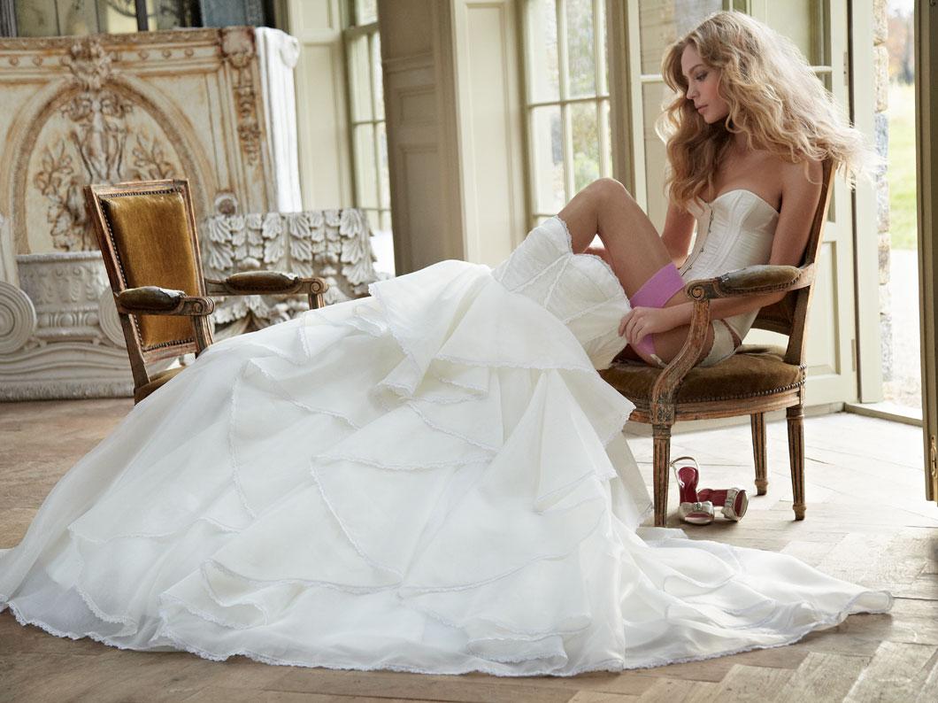 Что у невест под юбками 5 фотография