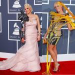 Саша Gradiva  и Бонни МакКи на Grammys_2012