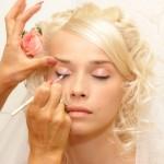 Прическа невесты и макияж гармонируют