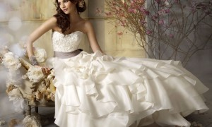 Unique-and-Special-Touch-on-Jim-Hjelm-Wedding-Collection-1
