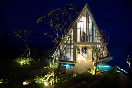 """Часовня """"Жемчужина"""" на острове Бали"""
